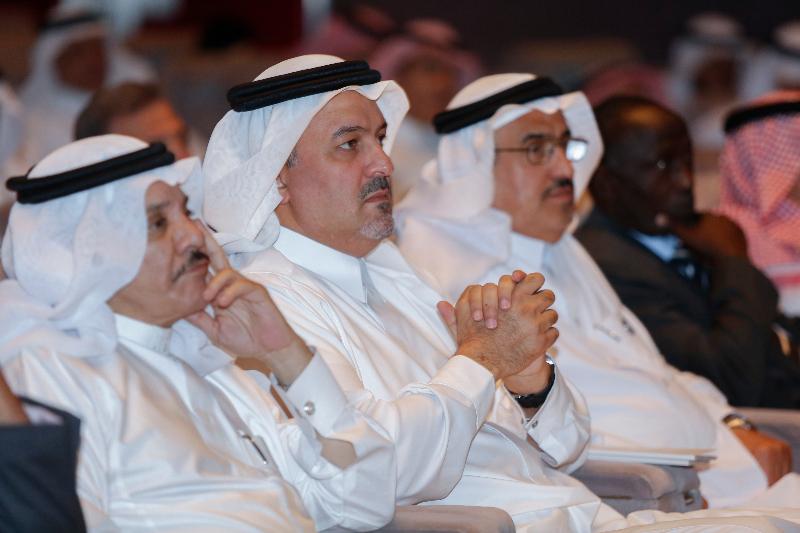 لقطات من منتدى الجوائز العربية
